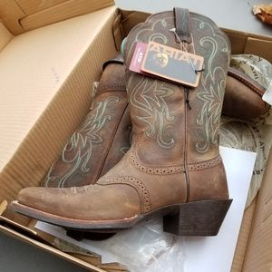 Ariat Womens Size 7.5 Cowboy Western Boots